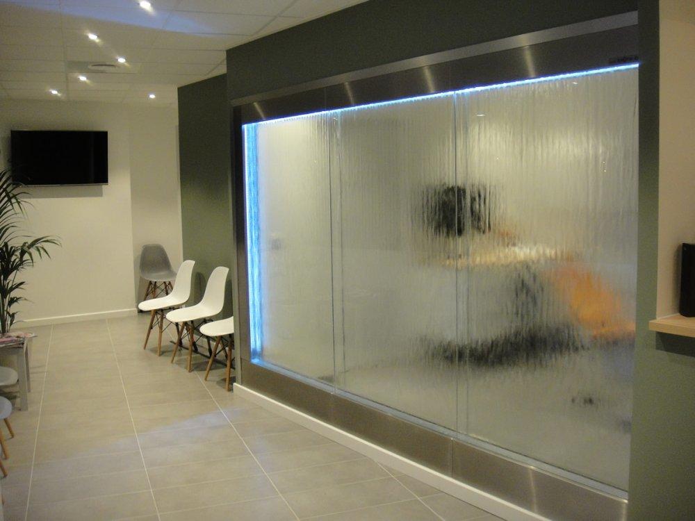 Murs d 39 eau et murs d 39 eau sur mesure original reflet for Mur en verre interieur